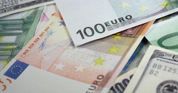 exemple de tranzacționare în valută)